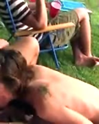 Young fluent couple fucking in outdoor
