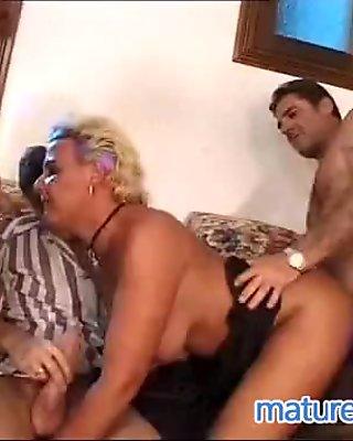 German mature got double penetration