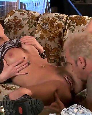 Cougar Alektra Blue rides on blonde stud
