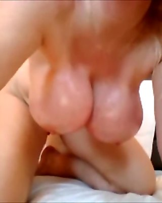 How Creamy is this Pussy !!