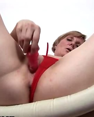 Horny amateur  loves fucking