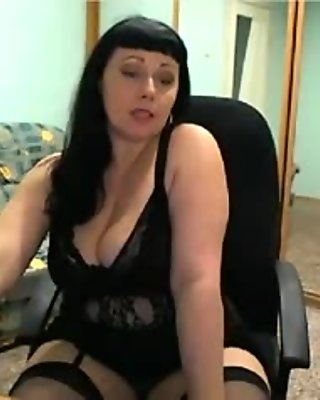 Mature Russian woman dreams about some virtual sex
