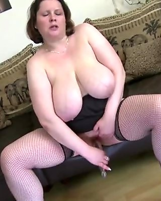Sexy mature mother with amazing big saggy tits