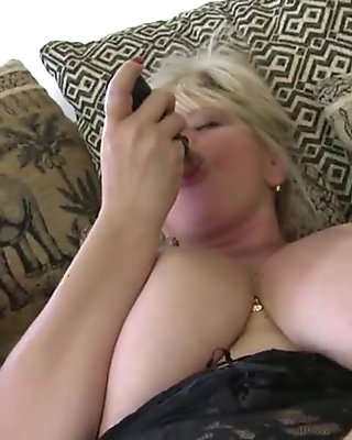 Gorgeous mature mom with big ass and boobs
