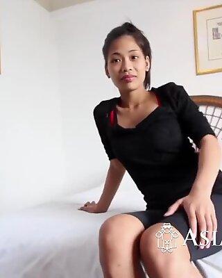 Kinky girl slurping big fat cock