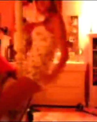 Upskirt Ass Shaking Panty Dance - spankbang.org