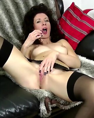 Skinny MILF with hungry old cunt