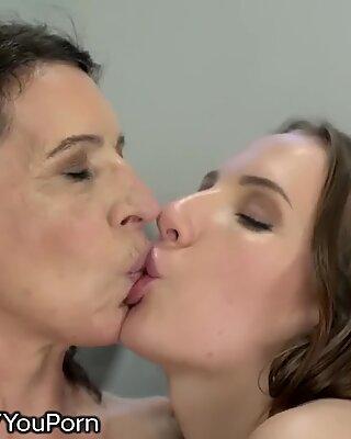 21Sextreme GILF Tongues Teen's Anus Lips