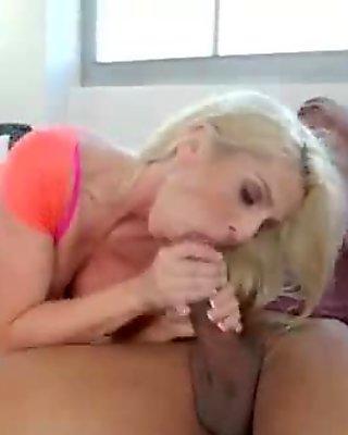 Busty milf wants hard fucking 02