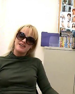 Milf blonde fucked by a young casting agent in office