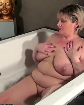 Sexy and cute experienced woman gives