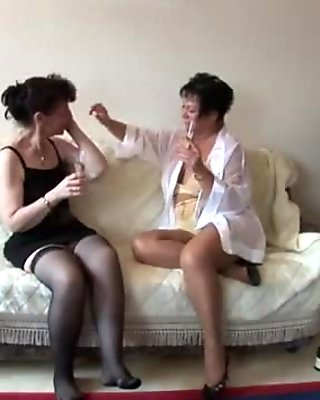 Sexy lesbian 3some action with hot grannies
