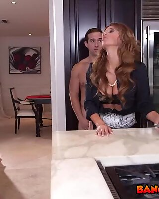 Slutty MILF videos couple having sex and fucks