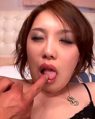 Curvy ass Yurika Momo handles the dildo - More at Pissjp.com