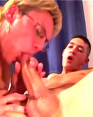 Euro gilf fisted by gorgeous redhead