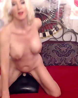 www.3cam.tk - horny blonde mature masturbates on webcam