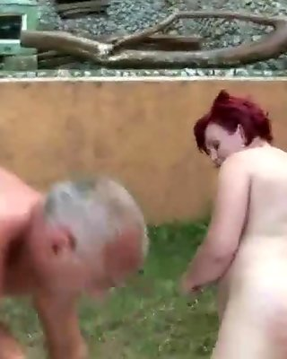Fat grandma gets fucked outside until she squirts