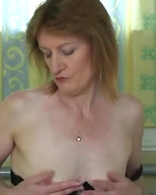 Yummy skinny british milf gets frisky