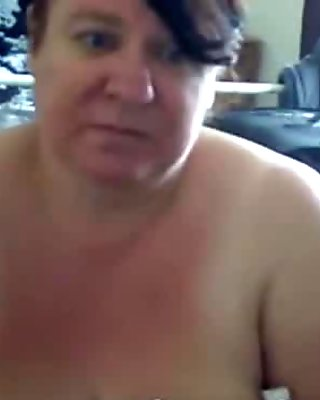 Neighbors Wife Playing With Her Tits - crankcams.com