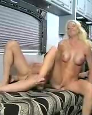Stunnning amateur blonde fucked hard in different positions