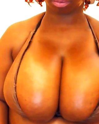 Huge Ebony Boobs - Spankbang.org