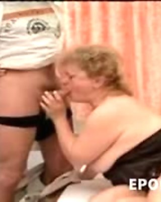 Doctor fucks chubby busty mom old pussy