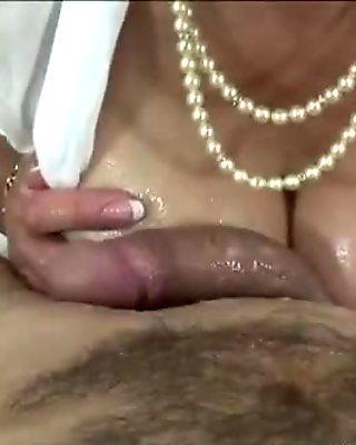 British mature lady gets titfuck cumshot