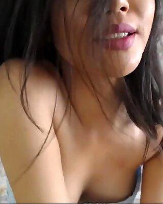 Gorgeous Eva naked strip show