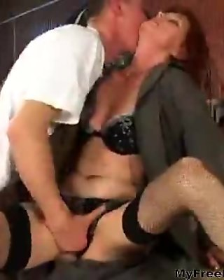 Big booty mature babe rides a rock solid cock