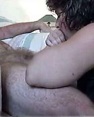 Sandie Sucking for a Facial