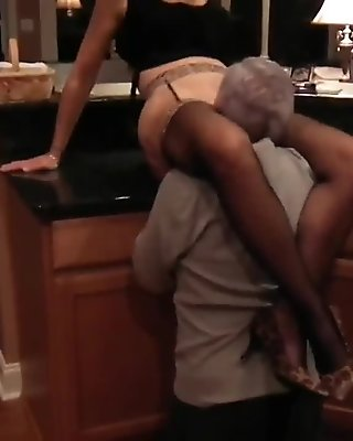 Mature eating pussy
