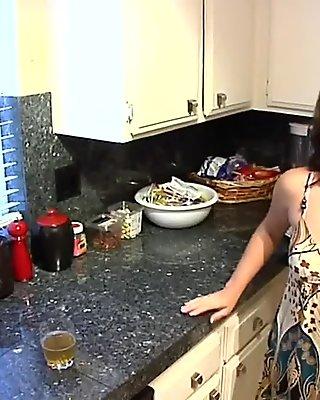 Curvy milf loves hardcore sex movie